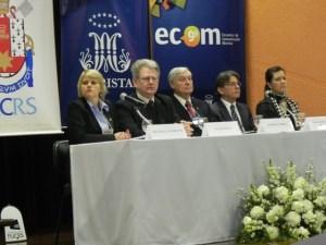 Rosângela Florczak, primeira à esquerda